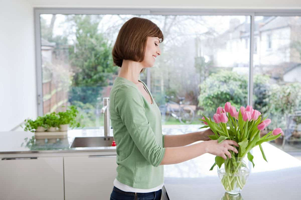 effect of flowers on human, flowers for your home, Why are flowers important, What do flowers do,
